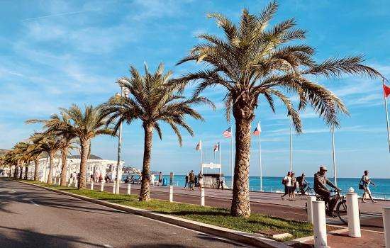The top spots to enjoy a walk along the sea in Nice