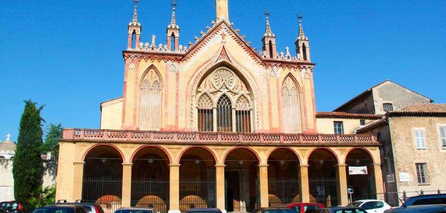Kirchen und Monumente